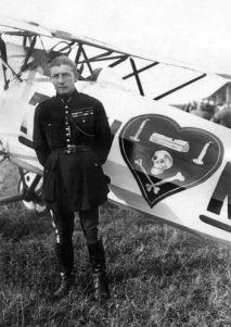 L'aviateur Nungesser apres un combat aerien sur le Front de la Meuse WW1